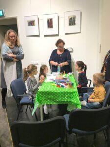 Kindertafel bij viering Chanoeka 2018